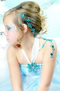 trucco di frozen: disegni sul viso principessa Elsa