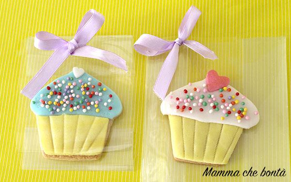 Biscotti decorati per bomboniere_cupcake