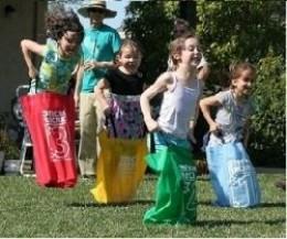 Pic nic di pasquetta con bambini_corsa con i sacchi