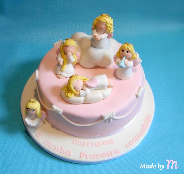 torta battesimo con angioletto in pasta di zucchero