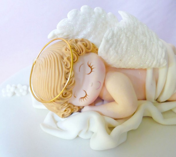 angelo in pasta di zucchero che dorme