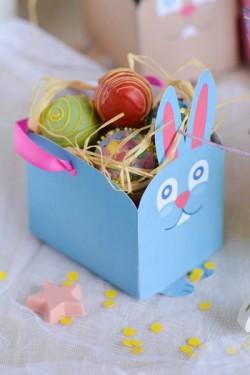 Lavoretti di Pasqua: come fare un portaovetti