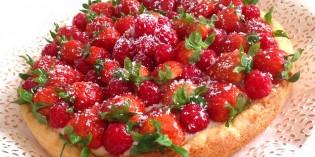 Crostata di fragole, lamponi e cocco: ricetta di Primavera