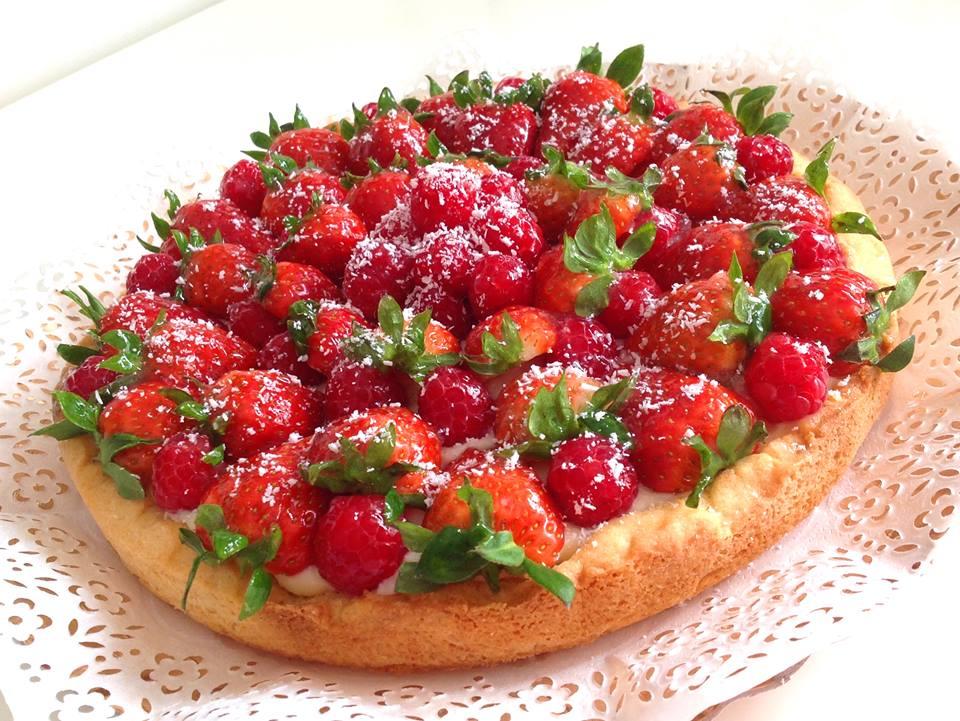 torte di compleanno con la frutta_crostata alle fragole