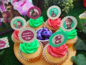 Festa a tema Masha e Orso_targhette per cupcakes