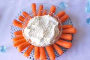 Buffet per una festa a tema FrozenNaso di Olaf-carote e formaggio