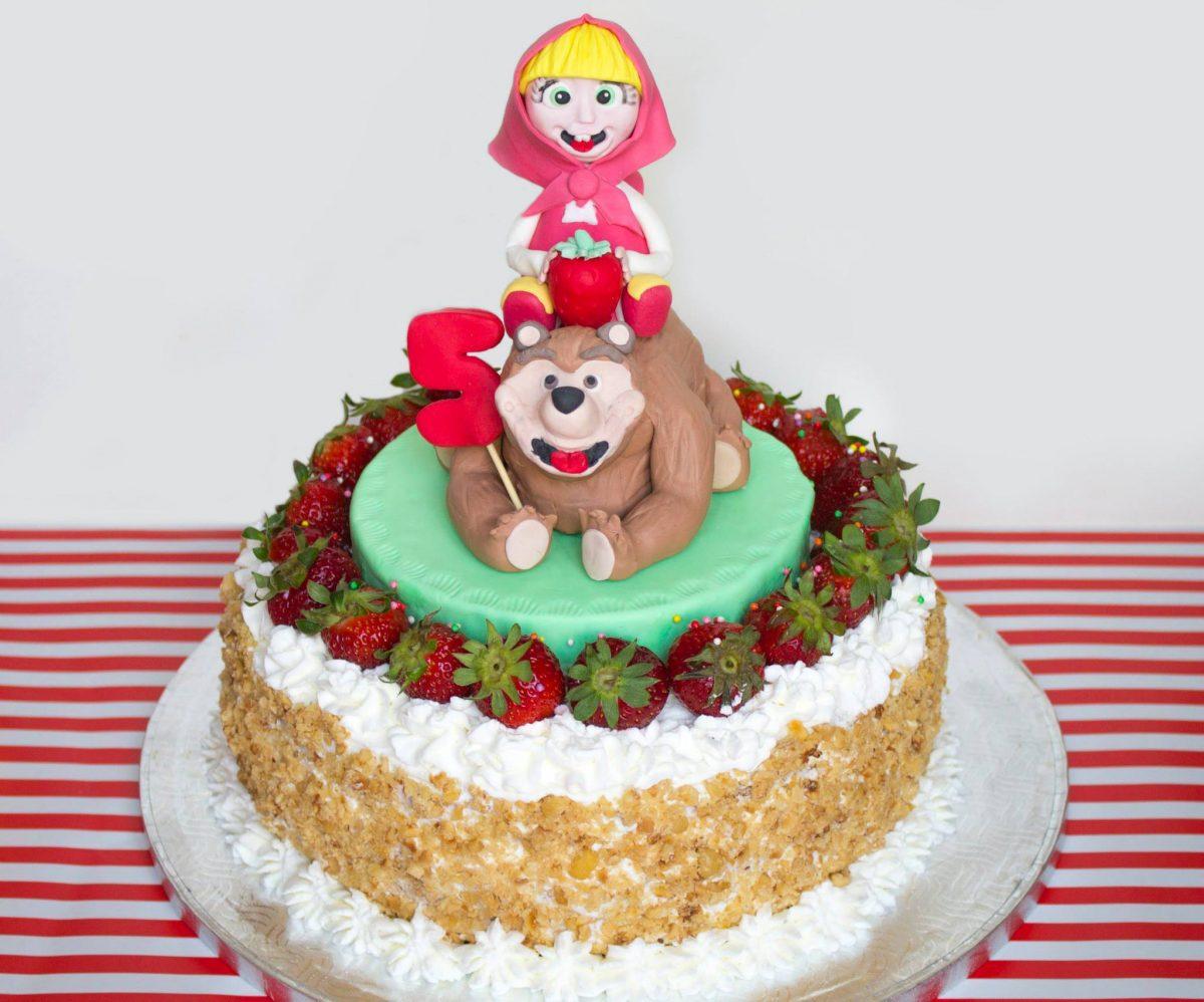 Torte A Tema Masha E Orso Pasta Di Zucchero E Classiche