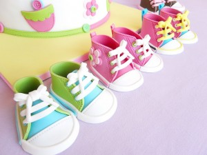 Torte decorate per battesimo_sneaker