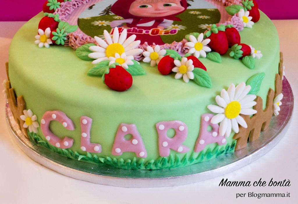 Decorazioni per torta di Masha e Orso