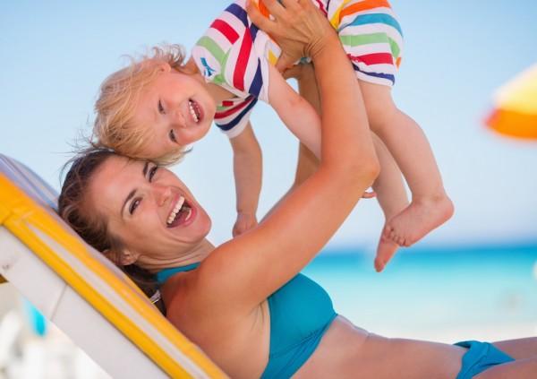 come organizzare una giornata al mare col bebè
