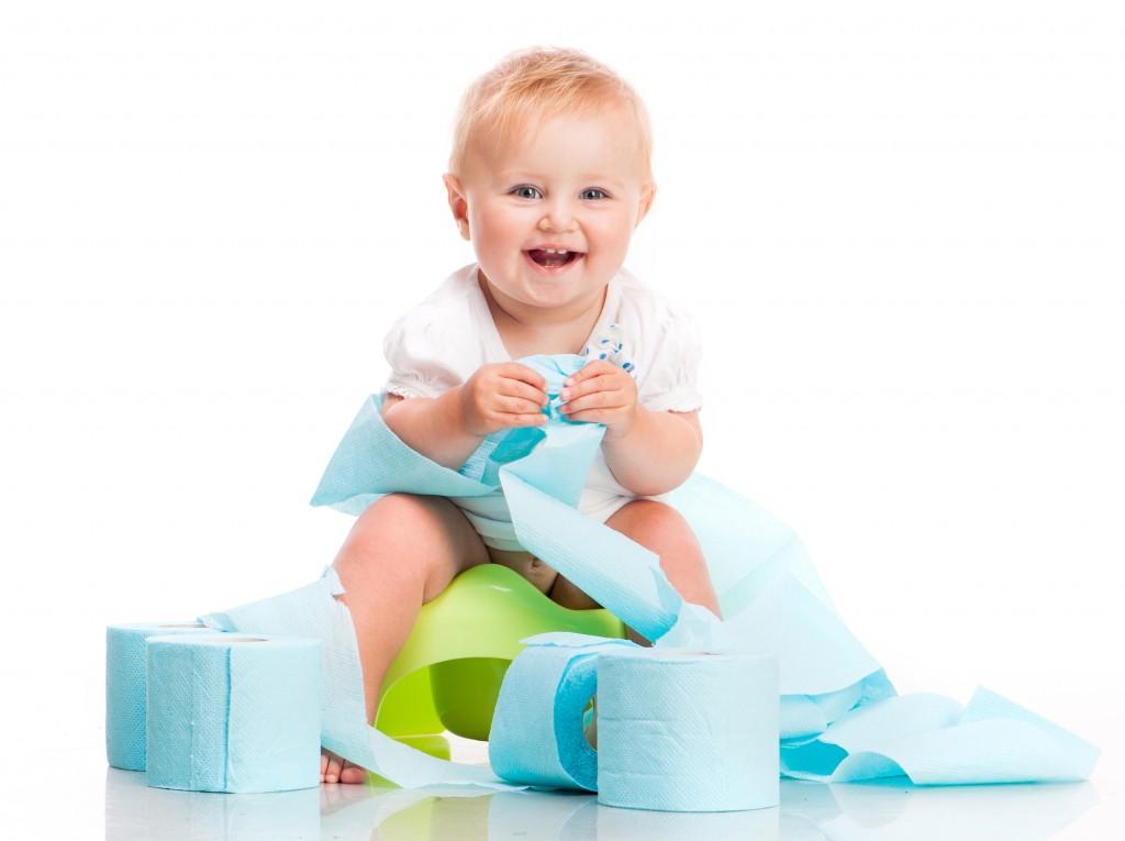 Togliere il pannolino_bambino su vasino