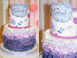 Torte di compleanno di Violetta_ruffle lilla e rosa