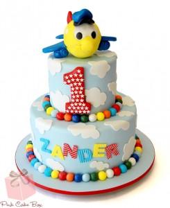 decorazioni facili per torte primo compleanno_torta aeroplano