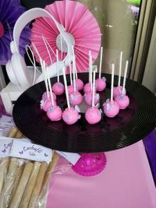 festa a tema Violetta_buffet-cakepops