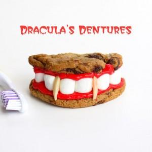 Biscotti di halloween da fare con i bambini_dentiera di Dracula