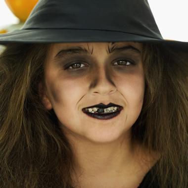 Halloween trucco da strega bambina