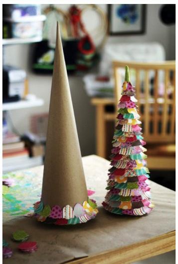 Decorazioni Di Natale Fai Da Te Con La Carta_albero Di Natale Con  Coriandoli Colorati