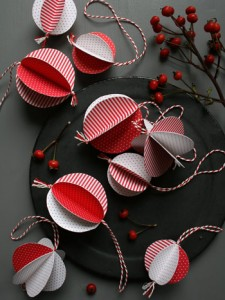 Decorazioni di Natale fai da te con la carta_palline