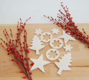 segnaposto di Natale fai da te con la pasta di mais_ornamenti per albero di Natale