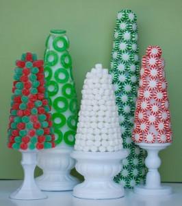 decorazioni di Natale fai da te con le caramelle_albero di Natale con caramelle gommose e alla menta