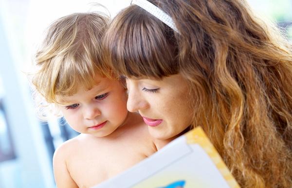 stimolare il linguaggio del bambino