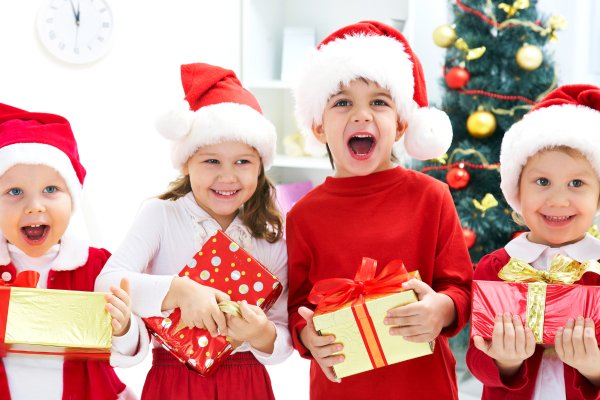 bambini-vestiti-per-le-feste-di-natale