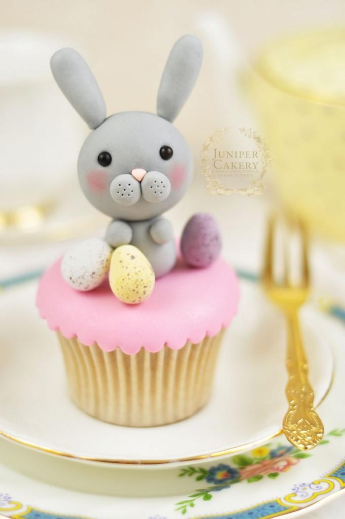 Come fare un coniglietto in pasta di zucchero_cupcake