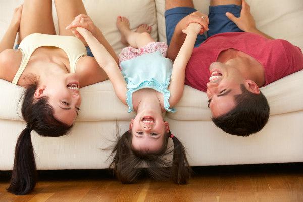 Giocare_insieme_genitori_bambini