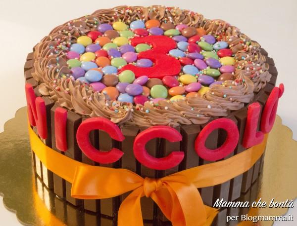 Torta facile compleanno bambino con confetti di cioccolato