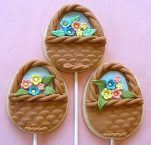 biscotti di Pasqua con pasta di zucchero_cestini con fiori
