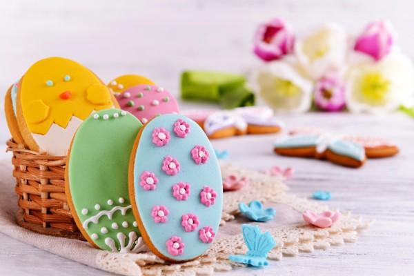 biscotti di Pasqua con la pasta di zucchero_cestino assortito