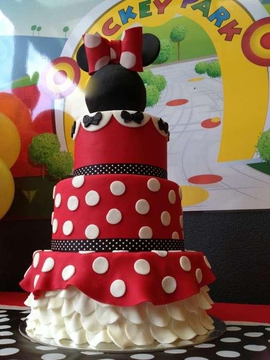 torte compleanno di Minnie con abito