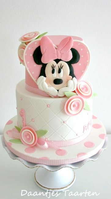 torte compleanno di minnie con cuore. Black Bedroom Furniture Sets. Home Design Ideas