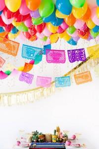 decorazioni per le feste con i palloncini sul soffitto