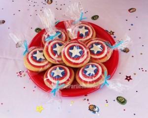 festa di compleanno degli avengers_biscotti di Capitan America