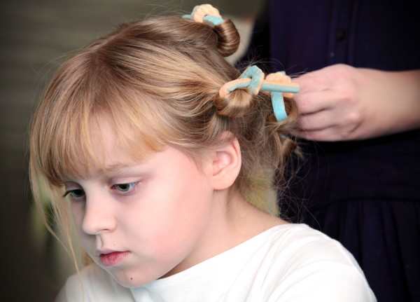 Bien-aimé pettinature prima comunione bambina per capelli corti : Blogmamma.it LO46
