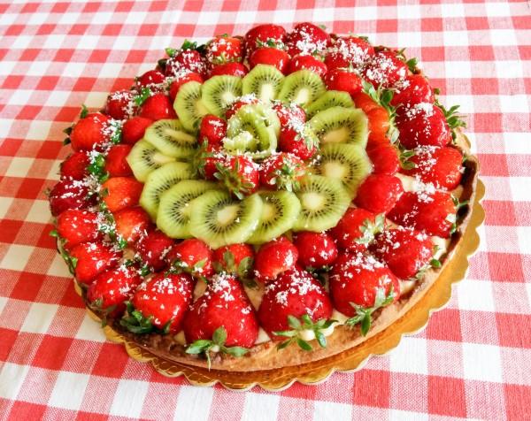 torte di compleanno con la frutta_crostata fragole e kiwi