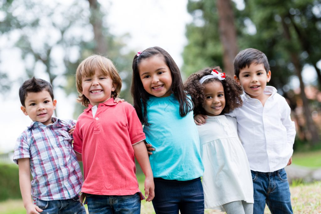 Come insegnare ai bambini a vestirsi da soli