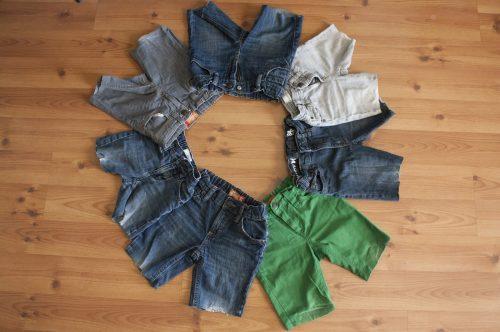 come riciclare pantaloni rotti in shorts