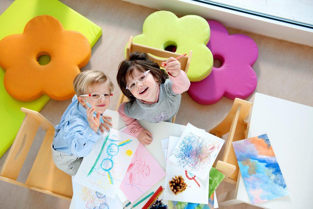 kids by safilo_bambini-che-disegnano