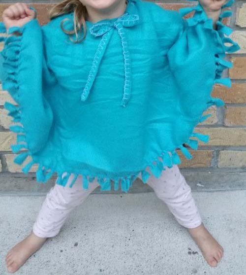 poncho fai da te per bambina azzurro