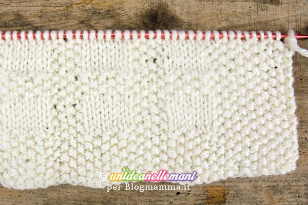 Lavori ai ferri schema copertina a maglia per bambini for Piani di coperta facili