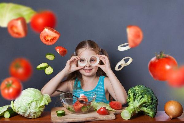 Dieta vegana e bambini: senza rischi si può?