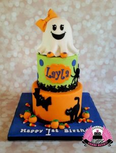 halloween-cake-con-fantasmina