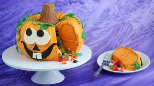 festa-di-compleanno-a-tema-halloween_torta-zucca