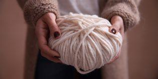 Infinity scarf a uncinetto fai da te per regali di Natale