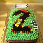 torte-di-compleanno-facili-per-bambini-_pista-macchinine
