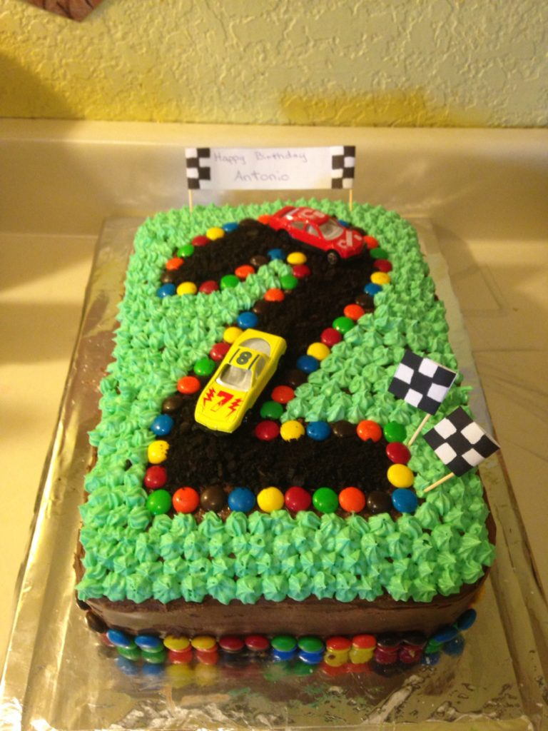 torte di compleanno facili per bambini _pista macchinine
