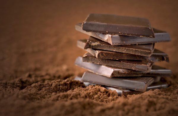 come aiutare il sonno dei bambini con il cibo evitare cioccolato