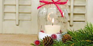 Lanterne di Natale con vasetti di vetro riciclati